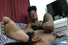 EBONY GODDESS PUTS HER FEET IN Slaves mouth and DEMANDS WORSHIP